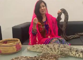 تهدیدات دردسر ساز خواننده زن علیه نخست وزیر هند+فیلم