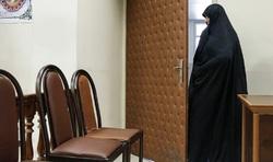 پوشش متفاوت شبنم نعمت زاده در دادگاه+ عکس