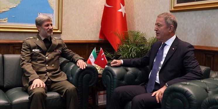 وزیر دفاع کشورمان با همتای ترکیهای خود دیدار کرد