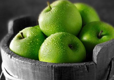 فواید خوردن سیب سبز