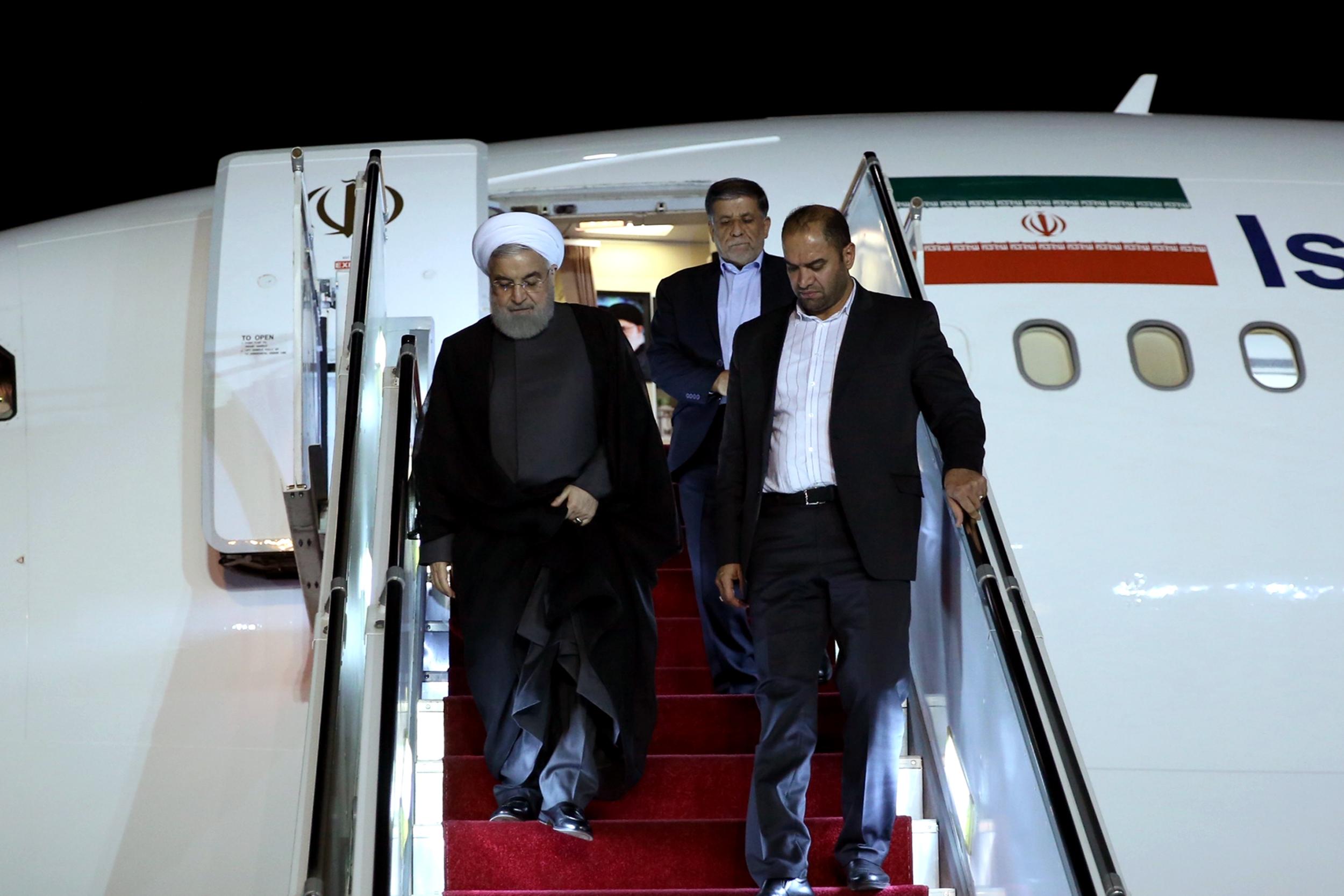 حجتالاسلام روحانی وارد تهران شد