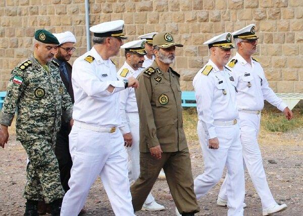 بازدید سرلشکر موسوی از یگانهای نیروی دریایی ارتش در منجیل