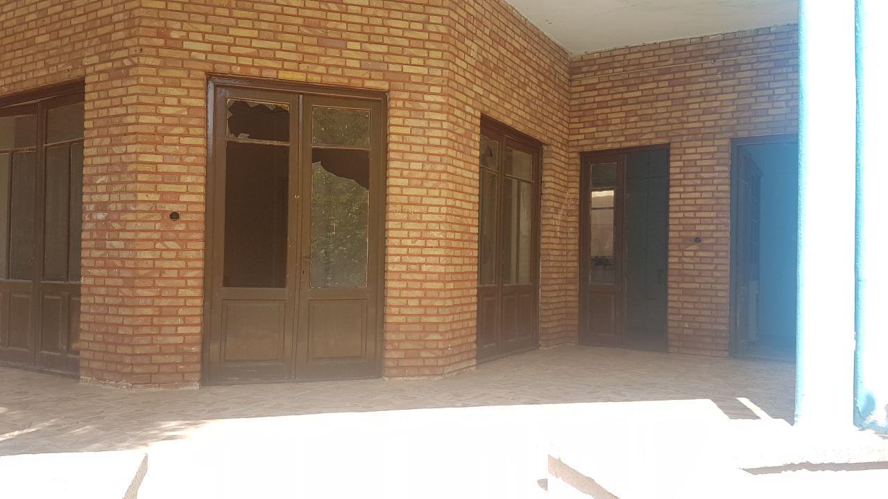 سقف خانه نیما یوشیج در حال فرو ریختن است + عکس و فیلم