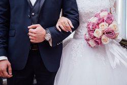 غافلگیر کردن عجیب داماد در روز عروسی توسط عروس! + تصاویر