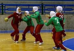 آغاز مسابقات هندبال بانوان منطقه چهار کشور