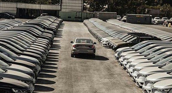 باشگاه خبرنگاران - اصرار در ترخیص ۲۲۷ خودروی سفارش شرکت آمریکایی در منطقه آزاد اروند/ آیا راه برای دور زدن یک ممنوعیت باز می شود؟ + تصاویر