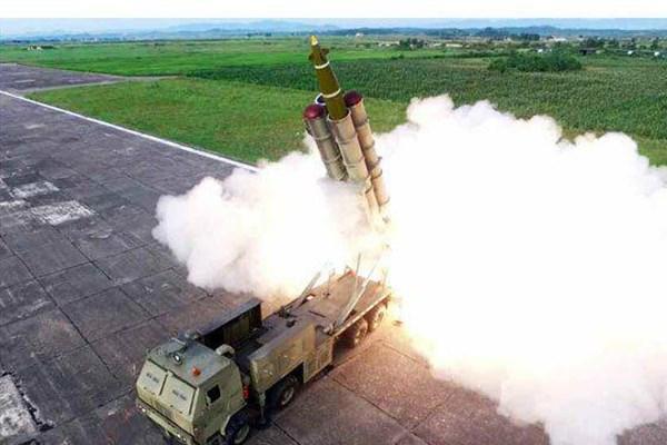 نظارت کیم جونگ اون بر آزمایش موشک غول پیکر کره شمالی+تصاویر