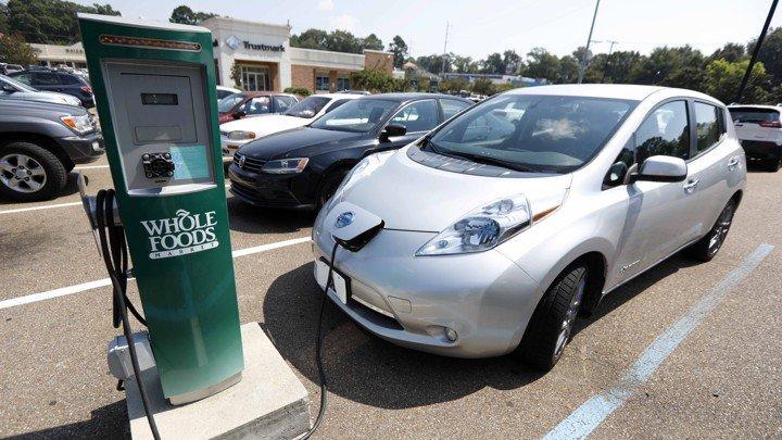 نگهداری و سرویس خودروهای برقی چگونه است؟