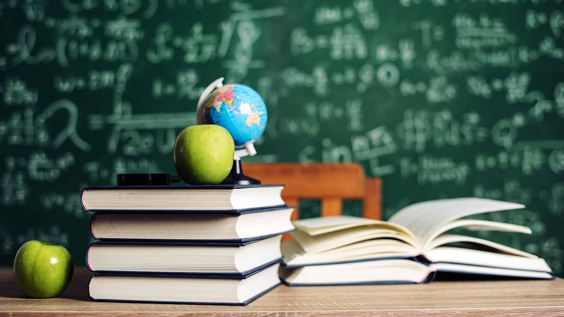 پاسخ به سوالات آموزش و پرورشی شما