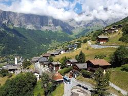 عجیبترین روستاهای ایران/ از سرزمین نابینایان و دوقلوها تا سکونتگاه مردم اروپایی در دل کشور! + تصاویر