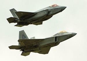 مانور خلبانهای اف-۳۵ آمریکا برای مقابله با فنآوری اس-۴۰۰ روسیه