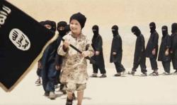 تفاوتهای نسل جدید تکفیریها با تروریستهای کهنهکار/ اسباببازی این کودکان اسلحه و تفریحشان سر بریدن است! + تصاویر
