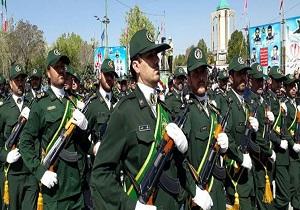 رژه نیروهای مسلح همزمان با هفته دفاع مقدس در همدان آغاز شد