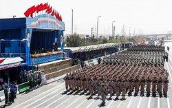 کدام تجهیزات نظامی در رژه امروزِ تهران به نمایش درآمدند؟/ سامانه توپخانهای «حائل» برای نخستین بار رونمایی شد