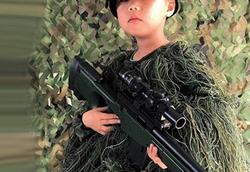 پسر ۵ ساله برای اعزام به ارتش فراخوانده شد! + جزئیات