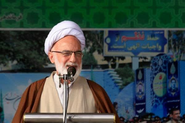 عزت و عظمت ملت ایران از خون شهدا و ایثارگری جوانان و نوجوانان است