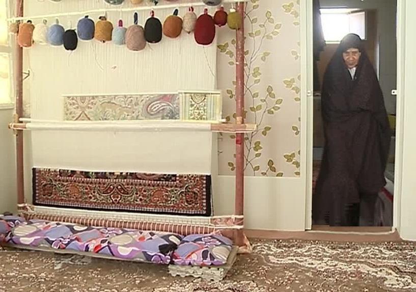 احیاء قالی بافی سنتی با سرپنجه زنان شهابیه استان مرکزی