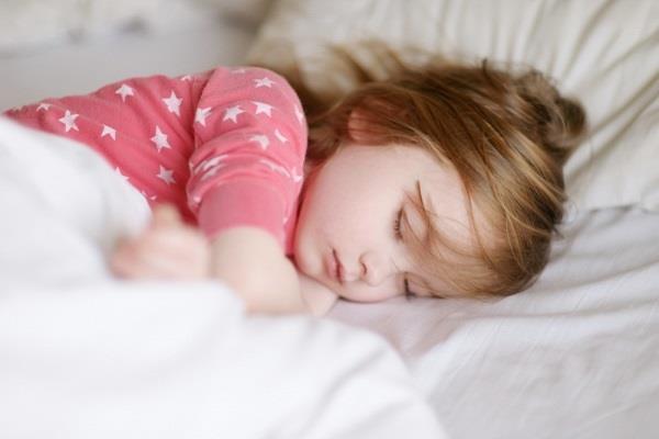 اثرات ویتامین Dبر کودکان/چرا  قد و وزن کودکان را باید بررسی کرد؟/کدام روغن بهتر است؟/چه چیزی باعث جوانتر شدن می شود؟/