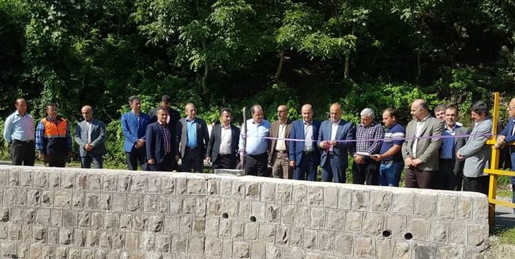 افتتاح دو دیوار در رامسر!!/برش روبان روی دیوار + تصاویر