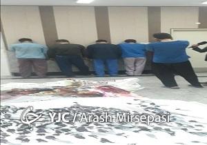 سارقان بیلبوردهای فرهنگی شهرداری تهران دستگیر شدند