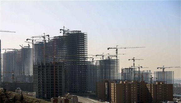 زمین خواری بلای تازه ای که به جان تهران افتاده است/ سونامی مالها در ایران / واگذاری غیر قانونی املاک به برج سازی
