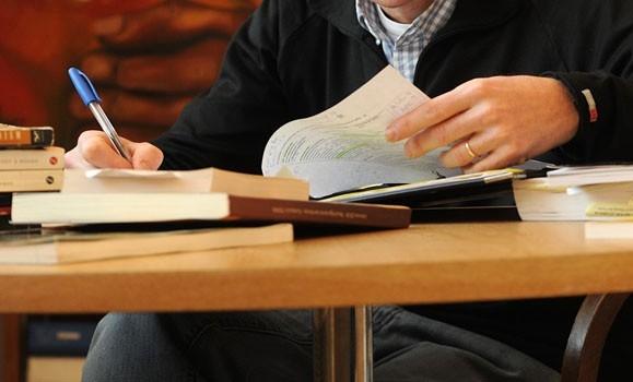 بهترین تمرینها برای افزایش سرعت مطالعه/ با این روش درس خواندن بیشترین بهره را از زمان ببرید