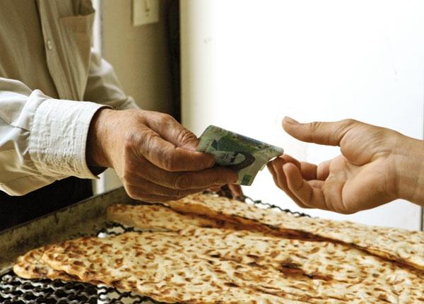 افزایش بدون سر و صدای قیمت نان در نانوایی ها/ یکسان سازی نرخ آرد و نان به سوء استفاده و رانت پایان میدهد