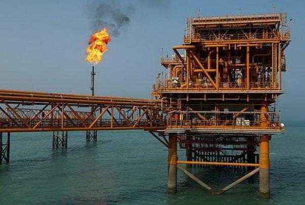 موفقیتی دیگر در سایه توان متخصصان ایرانی/ پایه های ۴۰۵ تنی مشعل سکوی ۱۳A پارس جنوبی نصب شد