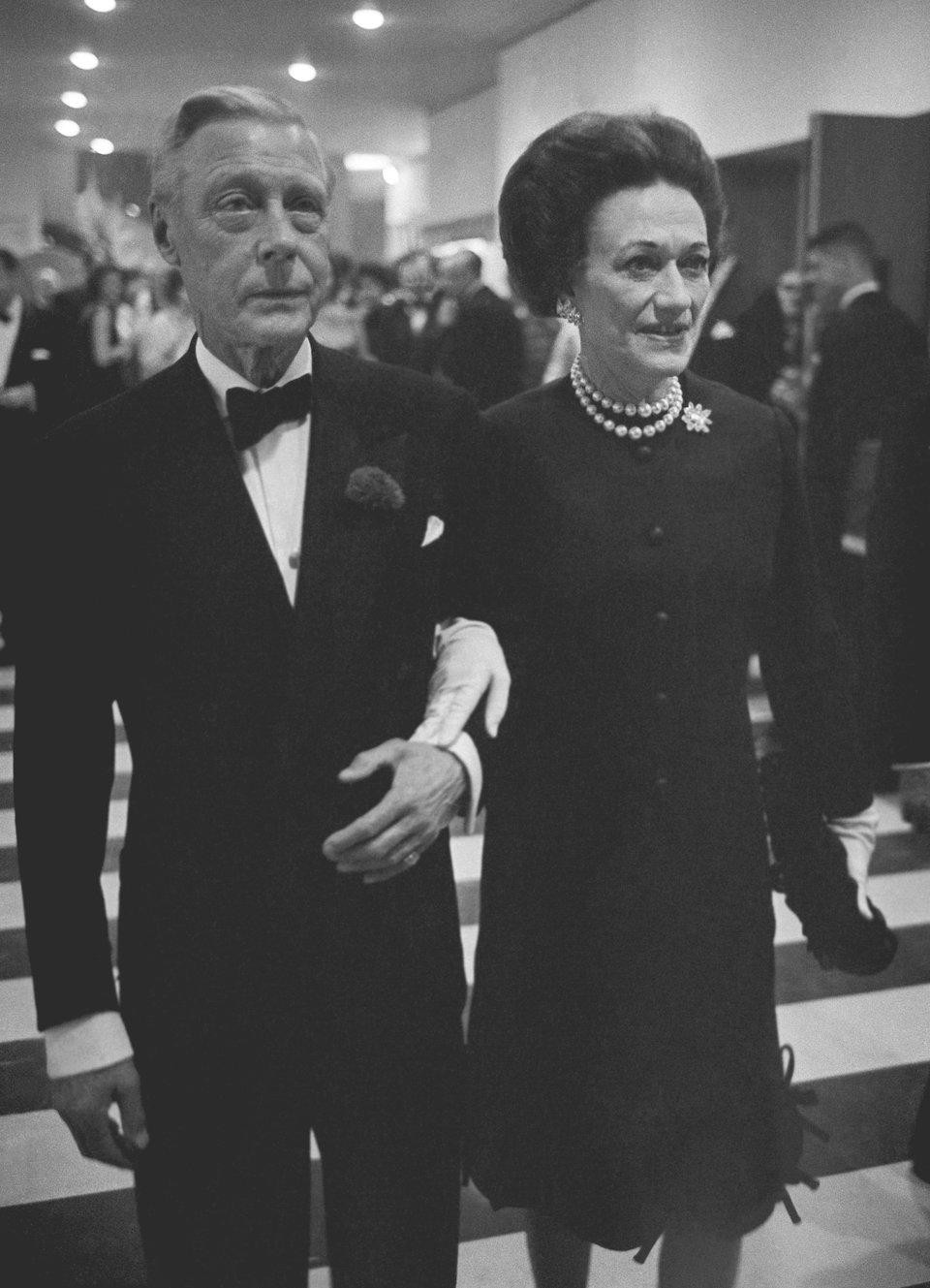 ۷ عضو خاندانهای سلطنتی جهان که عطای مقام خود را به لقایش بخشیدند