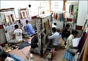 راهاندازی کارگاه قالیبافی و میناکاری در زندان همدان