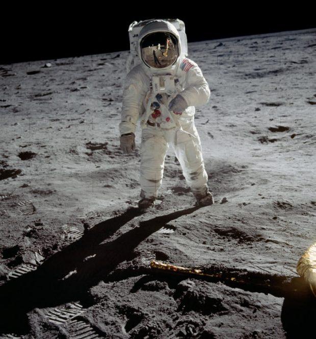 اگر می خواهیدرد پایتان هیچ وقت پاک نشود به ماه بروید/