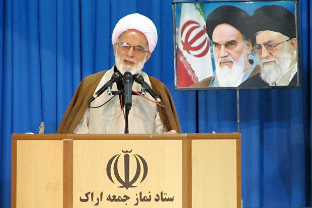 کنگره نقش امام خمینی ره در دفاع مقدس و ۶۲۰۰ شهید استان مرکزی ، رویدادی کم نظیر بود.