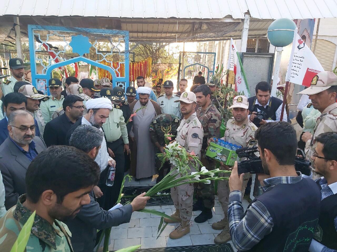 غبار روبی گلزار شهدای زاهدان با حضور سبز پوشان ناجا
