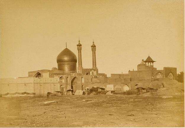 دورنمایی از بارگاه حرم حضرت معصومه(س) در دوره قاجار +عکس /// دپوویی