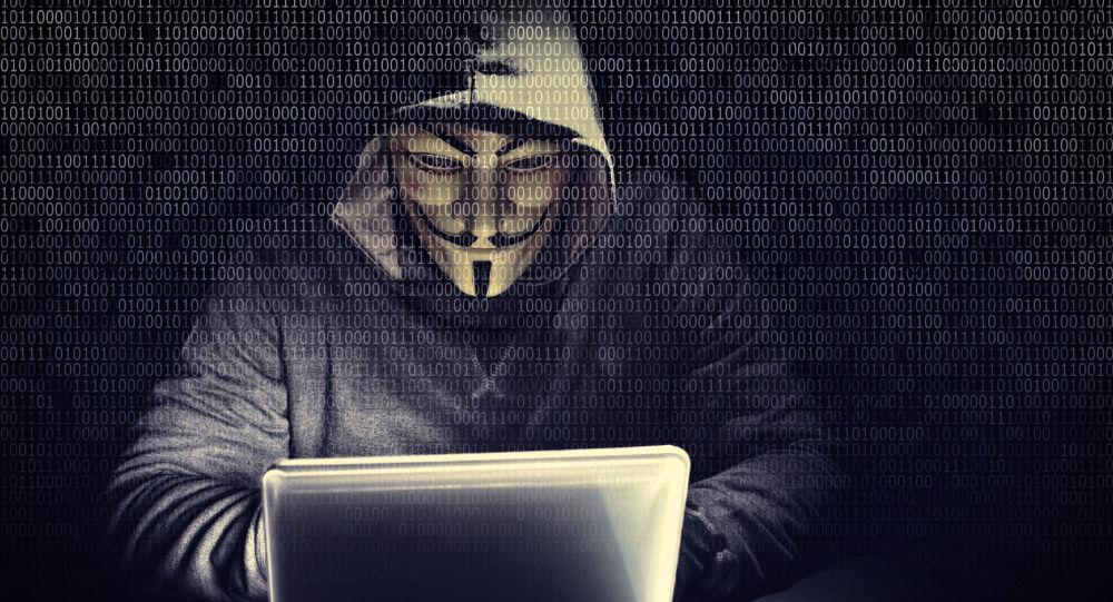 مخترع «واقعیت مجازی» میگوید همین حالا شبکههای اجتماعیتان را حذف کنید!
