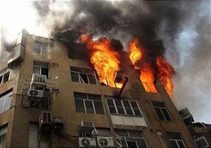 آتش سوزی عمدی منزل مسکونی و مصدومیت یک نفر