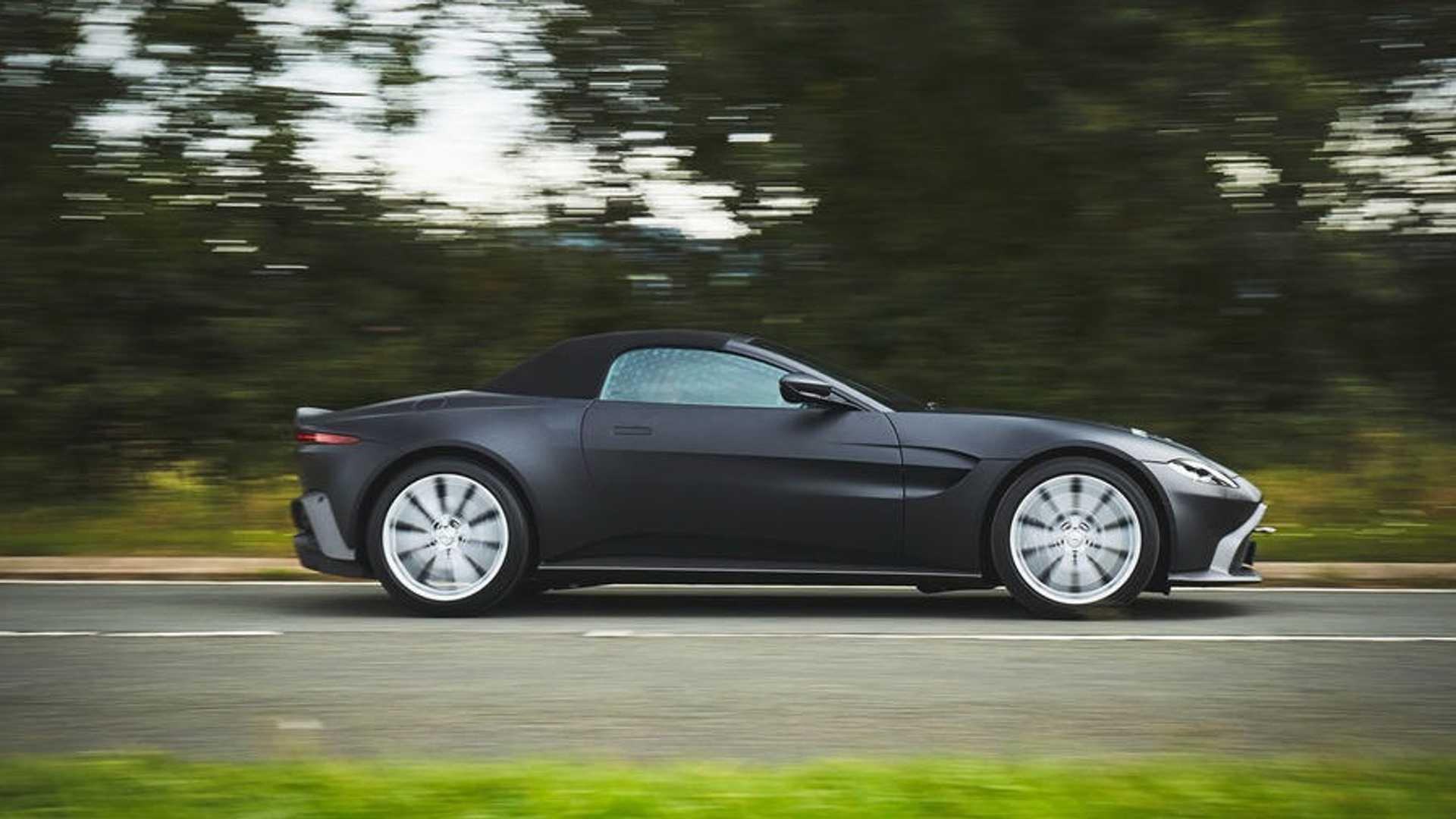 انتشار تصاویری از پیشنمایش خودروی Vantage Roadster استون مارتین +تصاویر