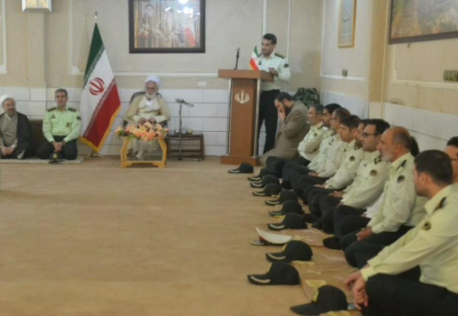 دیدار مسئولان انتظامی استان مرکزی با آیت الله  دری نجف آبادی