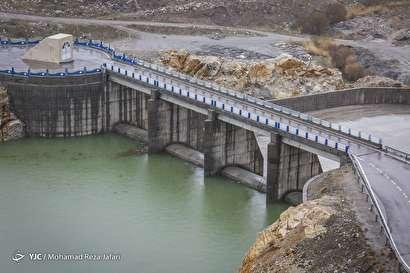 آب در ایران و ما تشنه لبان میگردیم /رتبه دوم سد سازی در منطقه متعلق به ایران است
