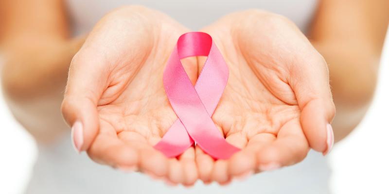 در مورد علائم سرطان سینه هوشیار باشید///صادقی