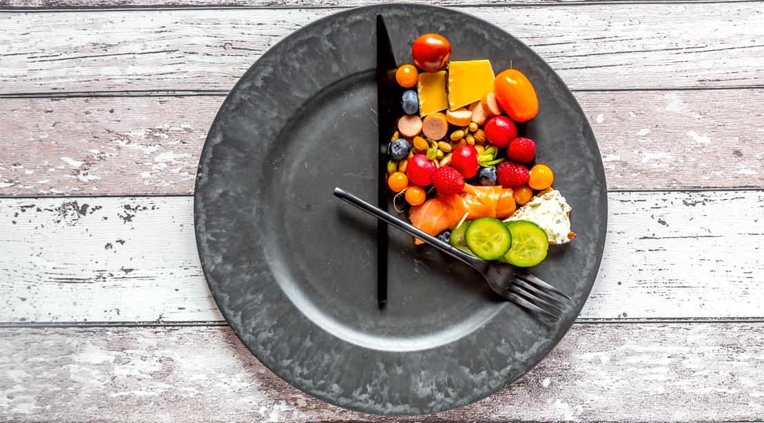 چه ساعتی غذا بخوریم تا لاغر شویم؟///ثباتی