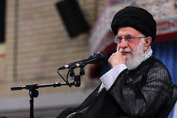 یک جریانی در کشور نخبگان را از ماندن در ایران دلسرد میکند