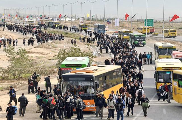 خروج ۱۰۰ هزار زائر طی امروز از مرز مهران/ لزوم حل مشکل توزیع آب