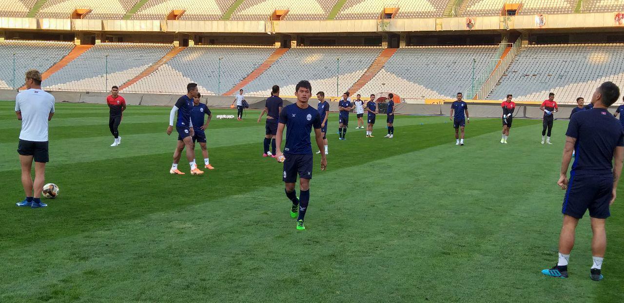 آخرین تمرین تیم ملی کامبوج/ هوندا حاضر به مصاحبه نشد