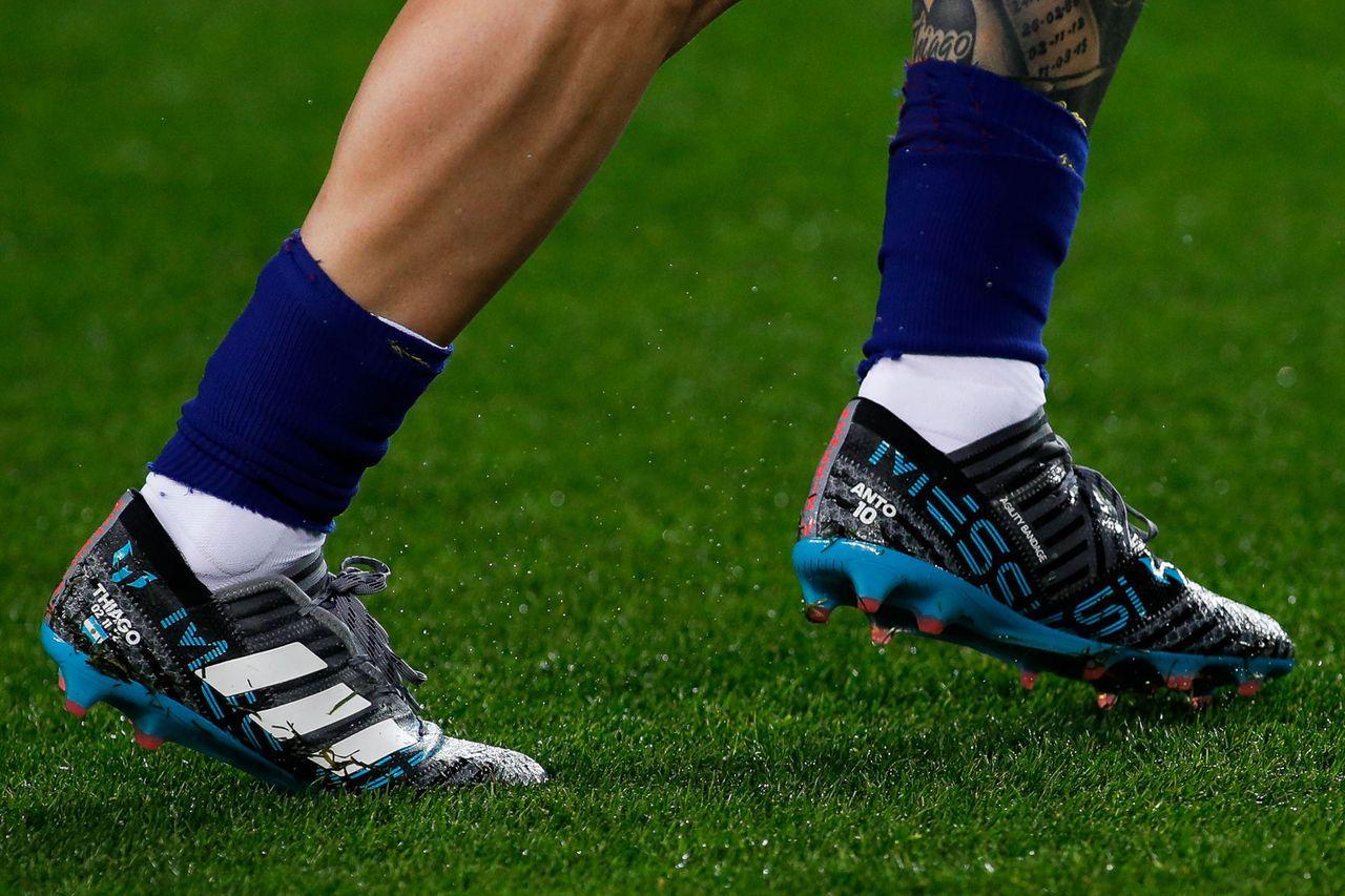 ۶ طرح عجیب و غریب روی کفش مشهورترین ستارگان فوتبال + تصاویر