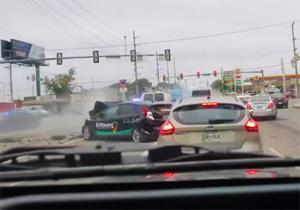 حمله وحشتناک تریلی به خودروهای سواری + فیلم