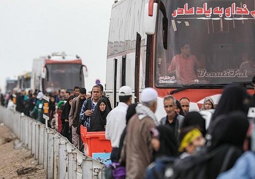 خدمت رسانی هلال احمر به پیادههای مسیر عشق/سایه بالهای پلیس راه بر فراز طریق الحسین