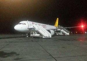 پرواز تهران- بندرعباس در فرودگاه کیش فرود آمد