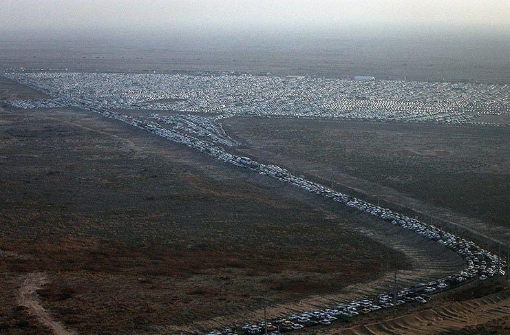 زائران خودروهای خود را در شهر ایلام پارک کنند