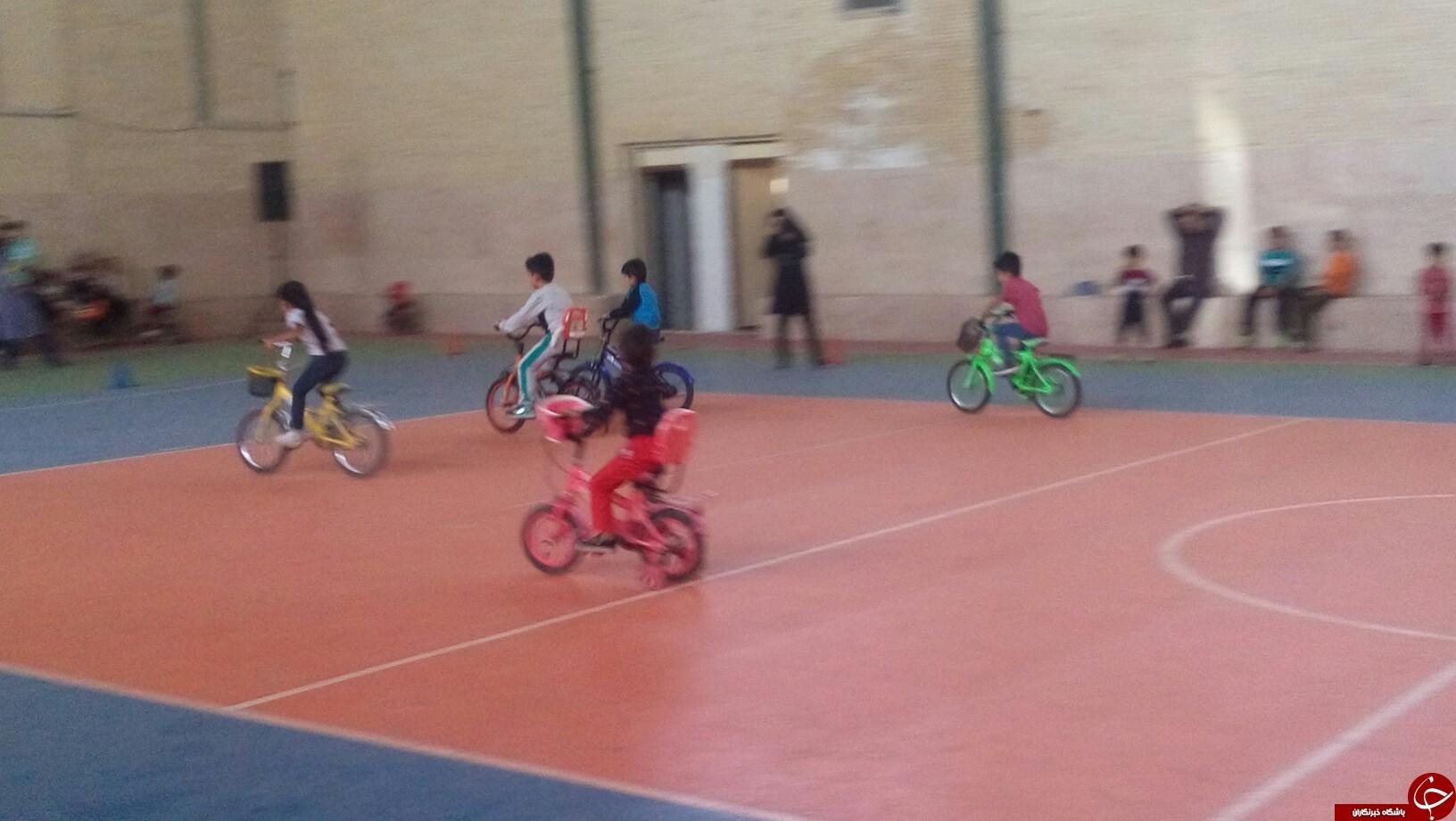 برگزاری مسابقات دوچرخه سواری کودکان در شهربابک + تصاویر